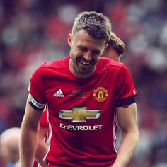 @Carras16 is all smiles during his testimonial. #MUFC