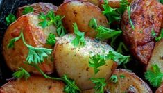 Baked Cabbage - Made in a roasting pan in the oven this is a delicious way to enjoy cabbage! Canned Potatoes, Making Baked Potatoes, Parsley Potatoes, Parmesan Potatoes, Baked Cabbage Recipes, Cabbage And Bacon, Cabbage Roll, Stuff Cabbage, Cabbage Head
