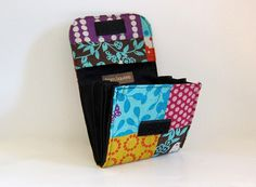 Super Roomy Accordion Wallet ECHINO by Stitchin Sista, via Flickr - Free sewing patterns and tutorials