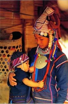 Beautiful Breastfeeding: Breastfeeding Around the World