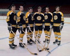 The real big bad bruins Nhl Hockey Teams, Boston Bruins Hockey, Ice Hockey, Hockey Sport, Stars Hockey, Old Sports Cars, Hockey Pictures, Bobby Orr, Boston Sports