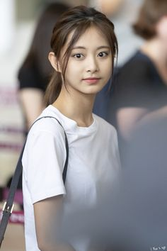 Pin by Kevin L on Kpop Idols Cute Asian Girls, Beautiful Asian Girls, Kpop Girl Groups, Kpop Girls, Korean Beauty, Asian Beauty, Tzuyu Body, Prity Girl, Tzuyu Twice