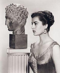 Irene Papas, Divas, Greek Beauty, Greek Culture, Hollywood, Portraits, Folk Fashion, Modern Fashion, Greek Art