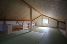Attic Bedroom Designs, Attic Loft, Master Room, Japanese Interior, Home Interior, Minimalism, Bedroom Decor, New Homes, Architecture
