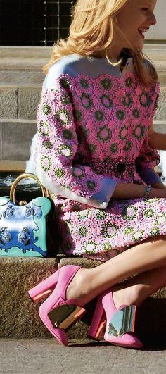 Hanne Gaby Odiele in Prada captured by Tommy Ton Fashion Look Fashion, Fashion Details, Fashion Models, High Fashion, Womens Fashion, Fashion Design, Fashion Trends, Fashion Coat, Fashion Shoes