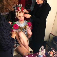 En Grazia.mx nuestra editora de moda @annielask te platica sobre la inspiración detrás de Ciao Bella! nuestra moda de #GraziaMayo hecha en Italia (: @annielask) #OutNow #GraziaModa  via GRAZIA MEXICO MAGAZINE OFFICIAL INSTAGRAM - Fashion Campaigns  Haute Couture  Advertising  Editorial Photography  Magazine Cover Designs  Supermodels  Runway Models