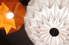 HUMA Luminaria en papel utilizando la técnica japonesa del origami. http://charliechoices.com/huma/