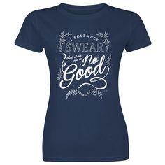 """- Painatus edessä - Pyöreä pääntie - Normaali istuvuus  Lupaatko rakastaa, kunnioittaa ja pitää tätä t-paitaa hyvässä ja pahassa? Hemmottele sitten itseäsi tällä rennolla Harry Potter 'Solemnly Swear' –t-paidalla! Se on laivastonsininen ja sen etupuolelle on painettu kuva yhdessä tekstin """"I Solemnly Swear That I Am Up To No Good"""" kanssa. T-paidassa on normaali-istuvuus ja pyöreä pääntie. Naisille!"""