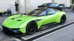 Aston Martin is known around the world as one of the premier luxury car makers. The Aston Martin Vulcan is a track-only supercar Aston Martin Vulcan, Super Fast Cars, Super Sport Cars, Aston Martin Sports Car, Hennessey Venom Gt, High End Cars, Car Racer, Automotive Group, Luxury Cars