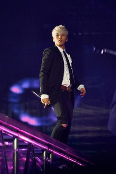 SEUNGRI | BIG BANG 2015 WORLD TOUR x MADE IN SEOUL