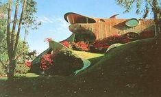 Curious Places: The Shark House (Mexico City/ Mexico)
