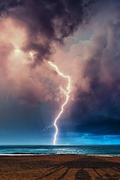 Lightning - Perfect Storm - By Fabrizio Lutzoni All Nature, Science And Nature, Amazing Nature, Fuerza Natural, Tornados, Thunderstorms, Thunder And Lightning, Lightning Storms, Zeus Lightning