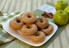 Apple Doughnuts with Thermomix - Thermomix Recipes Apple Donut Recipe, Apple Doughnut, Donut Recipes, Whole Food Recipes, Dessert Recipes, Thermomix Desserts, Healthy Desserts, Thermomix Bread, Baked Donuts