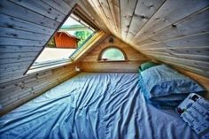 Great use of the attic .. stargazing comfort room = Kiddie Heaven.