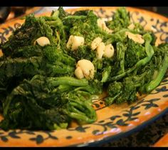 I love rabe. Could just eat this for a meal. A great leftover to use in sandwiches, pizza, anything. A really healthy green. Don't forget the red pepper flakes! Lidia's Italy: Recipes: Broccoli Rabe with Oil and Garlic Lidia's Recipes, Vegetable Recipes, Italian Recipes, Cooking Recipes, Italian Foods, Broccoli Rabe Recipe, Broccoli Raab, Garlic Broccoli, Create Tv Recipes