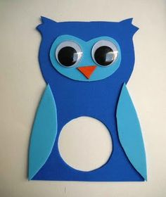 Spice up the Alarm clock (cheap one from Ikea or similar store) made into animal clock using fun foam. Owl Clock, Alarm Clock, Library Art, Ikea Hackers, Night Owl, Foam Crafts, Toddler Preschool, Spice Things Up, Origami