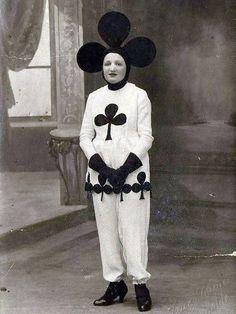 Halloween 2013  13 of the weirdest vintage costumes 4930622855