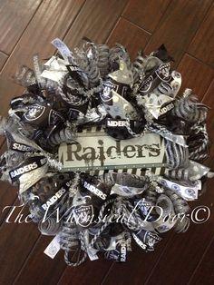Oakland raiders wreath
