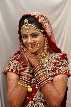Indian Bride Photography Poses, Indian Bride Poses, Indian Wedding Poses, Indian Wedding Couple Photography, Indian Bridal Photos, Indian Wedding Fashion, Indian Wedding Outfits, Bridal Photography, Digital Photography