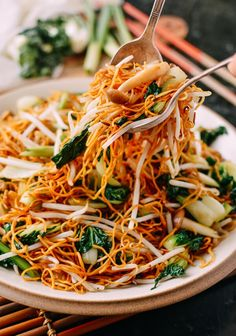 Vegetable Chow Mein Noodles: Hong Kong Cantonese Style (The Woks of Life) Pan Fried Noodles, Crispy Noodles, Vegetarian Recipes, Cantonese Chow Mein Recipe, Vegetable Lo Mein, Chow Mein Recipe Vegetable, Vegetable Dish, Vegetable Crisps, Recipes