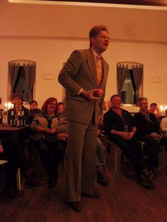 Jörg und Johannes waren am Wochenende bei uns als Herricht und Preil, bekannt aus Ein Kessel Buntes, zu Gast. Der Saal war diesmal ein gemütliches Wohnzimmer in dem viel gelacht wurde. Ein wirklich sehr netter Abend. Machen wir kommendes Jahr wieder als Jahresabschluss. Zum Kabarett gabs selbstgemachten Glühwein und Weine aus Saale-Unstrut von Wannseewein. Herzlichen Dank an Brot und Spiele Be ...