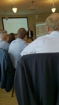 Module #webforexecs Hands-on course to the use of social media. With strategic discussions.