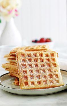 yummy food for breakfast ~ yummy food ; yummy food for dinner ; yummy food for breakfast ; yummy food for dinner easy Fluffy Waffles, Pancakes Easy, Easy Pancake Recipe Without Milk, Breakfast Recipes, Dessert Recipes, Breakfast Bars, Bolo Fit, Crispy Waffle, Waffle Recipes