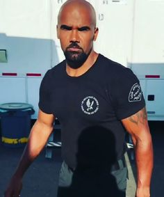 Shemar Moore Shirtless, Sherman Moore, How To Look Handsome, Handsome Man, Sexy Men, Sexy Guys, Hot Men, Bald With Beard, Hot Hunks