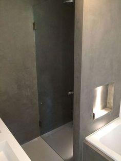 De beste kwaliteit glazen douchedeuren op maat. Sterk veiligheidsglas: geen scherven en ongelukken. Goedkoper dan bij de bouwmarkt.