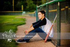 Senior picture ideas for guys | sports, baseball field, baseball, baseball bat | Fancy That Photography | Gwen Bradbury