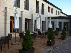 Hotel Parador de Puebla de Sanabria en Puebla de Sanabria, Castilla y León #hotel #restaurante #naturaleza #cyl