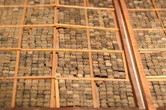 https://flic.kr/p/Jyrmre | 활자 보관상자 : Case of Movable Types | 조선시대에 활자를 배열하여 보관하던 상자입니다.  여전히 한글보다 한문이 더 많다는 것을 은근히 알게되지요.