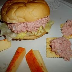 Amish Ham Spread - My Way I make this delicious spread for hubby to take to work. He loves it for sandwiches or on crackers, for a quick snack. It's so easy to make. This is my version. This recipe is for 3 pounds of bologna.you can easily halve the re Ham Salad Recipes, Sandwich Recipes, Pork Recipes, Cooking Recipes, Meatloaf Recipes, Sandwiches, Bologna Salad, Ham Salad Recipe With Bologna, Bologna Sandwich