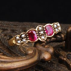 Vintage ruby and pearls...OMG. Serious lust.