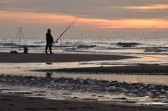 Fisherman at the beach, Noord Holland, Netherlands | Visser op het strand van Noord Holland, Nederland