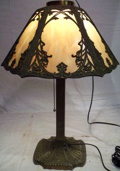 ANTIQUE VICTORIAN OLD MILLER SLAG STAINED GLASS SHADE TABLE LAMP LIGHT
