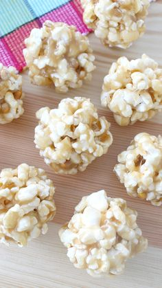 Recipe with video instructions: Almost everything tastes better in ball form — this sweet and buttery carnival treat of popcorn and brown sugar is no exception! Ingredients: 10 cups popped popcorn