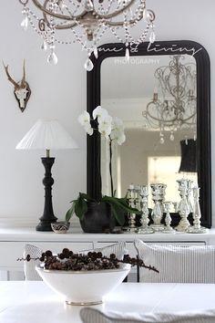 Cottage black and white /Martine Haddouche /