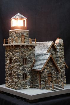 miniature stone lighthouses - Pedro Davila - Welcome to the World of Decor! Miniature Fairy Gardens, Miniature Houses, Fairy Garden Houses, Stone Houses, Miniture Things, Little Houses, Stone Art, Dollhouse Miniatures, Tabletop