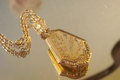 Antique Victorian Floral Embossed Locket & Chain / Floral