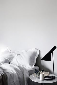 Monochrome bedroom i