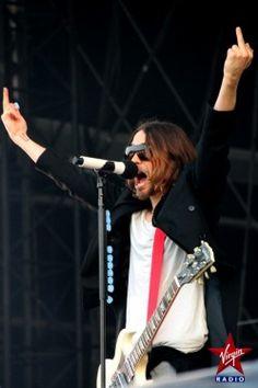 30 SECONDS TO MARS - Jared Leto et sa bande envoient du lourd au Main Square Festival ! - Virgin Radio http://www.virginradio.fr/#/Evenements/Main-Square-Festival/News/30-SECONDS-TO-MARS-Jared-Leto-et-sa-bande-envoient-du-lourd-au-Main-Square-Festival