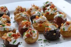 Mini Baked Potatoes - party food ideas #appetizers