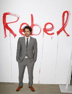 "James Franco était à Los Angeles pour le vernissage de l'exposition ""Rebel"", au MoCA"