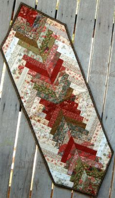 Rose Patchwork Cottage - Christmas Braid Table Runner - Pattern