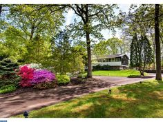 1424 HOLLOW RD, COLLEGEVILLE, PA for sale.