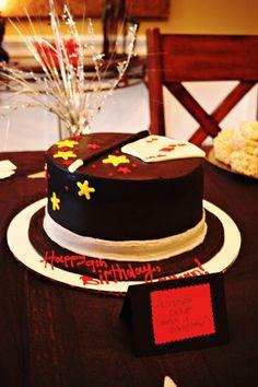 Zauberer Kuchen für den Kindergeburtstag. Passend zur Mottoparty. Magician cake!