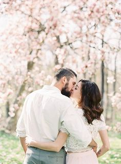 19-sweet-outdoor-spring-engagement