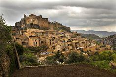 pueblo medieval de alquézar en aragón