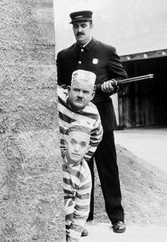 1927 - The Second Hundred Years - Oliver Hardy, Stan Laurel